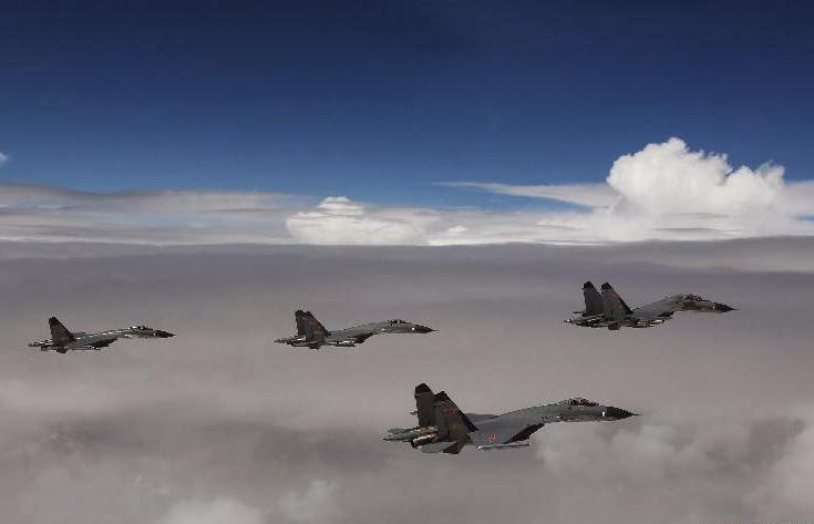 [CropImg]Chinese PLAAF fighters  in Tibetan plateau  China in Tibet Chinese military locations in Tibet Chinese Aircraft in Tibet  5.jpg