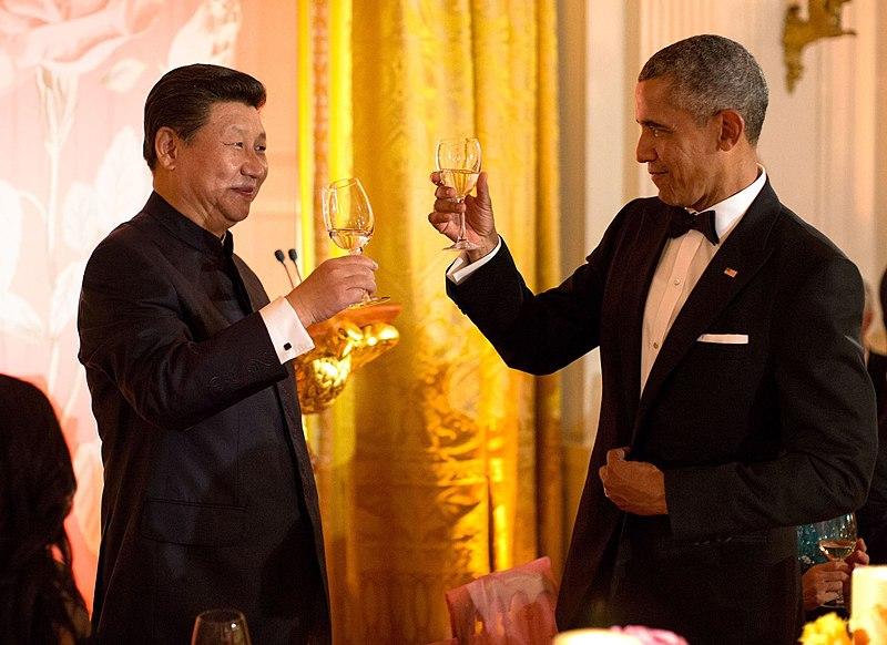 800px-Xi_Jinping_and_Barack_Obama_toast_at_White_House_state_dinner_September_2015.jpg