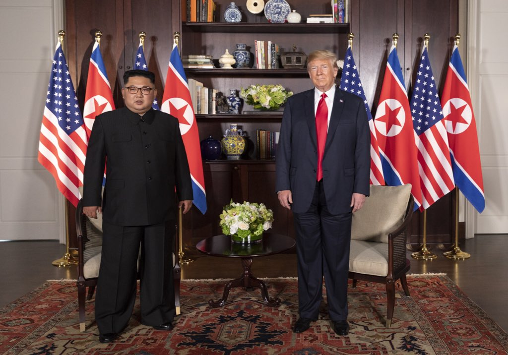 Trump-Kim_meeting_in_Capella_Hotel_(1).jpg