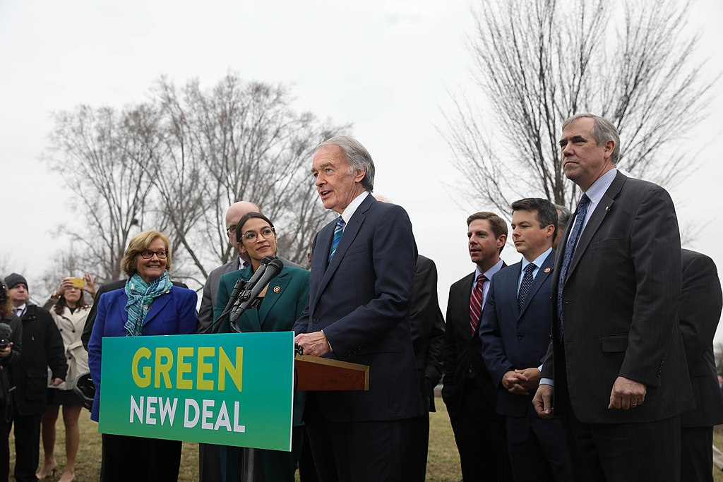 1024px-GreenNewDeal_Presser_020719_(7_of_85)_(46105849995).jpg
